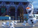 Olaf freut sich über die Schneechen