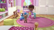 Doc-McStuffins-Season-3-Episode-12-Top-Lamb--Molly-Molly-Mouthful