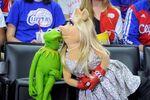 LAClippersGame-(2015-03-15)-Kermit&Piggy-Kiss