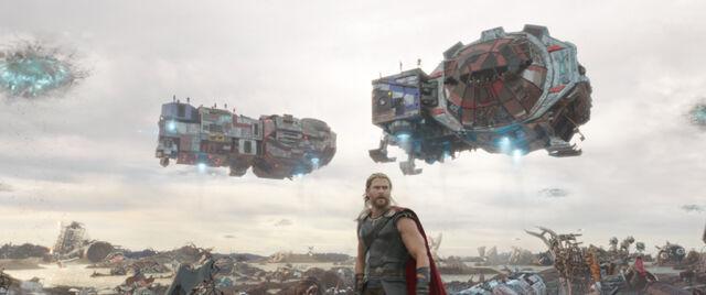 File:Thor Ragnarok 12.jpg