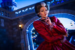 Lady-tremaine-character-meet-and-greet-end-magic-kingdom