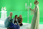 Once Upon a Time - 4x10 - Shattered Sight - Production - Elsa, Anna, Emma and Ingrid