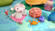 Lambie 'so nice to meet you too, peaches'