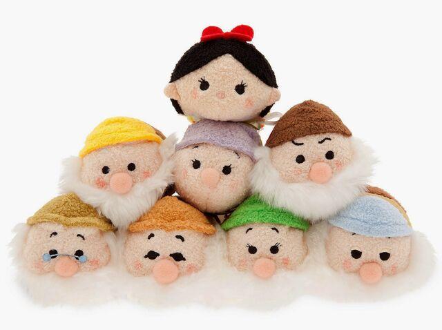 File:Snow White Tsum Tsum Collection.jpg