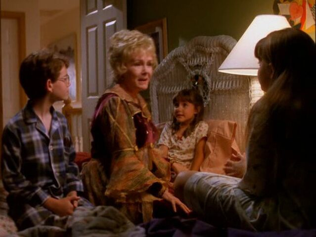 File:Halloweentown-disneyscreencaps.com-1462.jpg