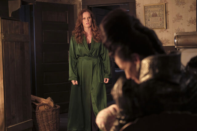 File:Once Upon a Time - 6x02 - A Bitter Draught - Photography - Zelena.jpg