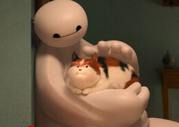 Baymax-and-mochi-big-hero-6