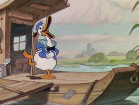 1934-petite-poule-avisee-05