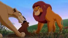 Zira bied Kovu aan Simba aan