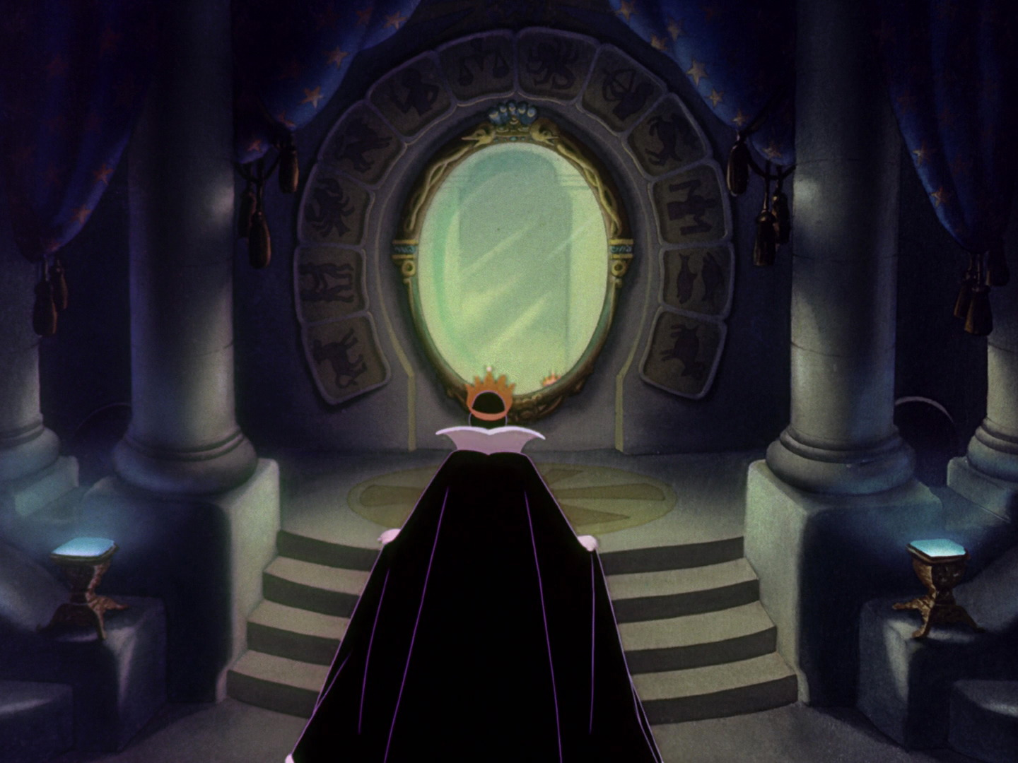 Magic mirror chamber disney wiki fandom powered by wikia for Miroir miroir blanche neige