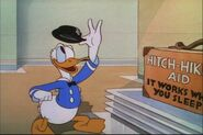 Donald Duck Modern Inventions 033