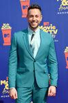 Zachary Levi MTV Movie & TV Awards19