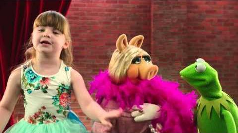 Muppet Moments Kiss the Pig Disney Junior Official