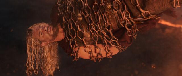 File:Thor Ragnarok 01.jpg