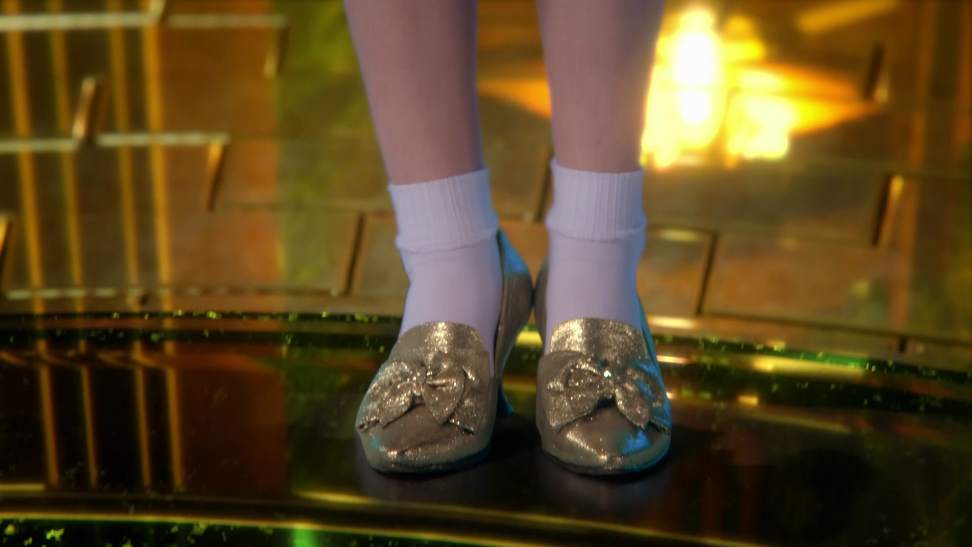 Image Dorothy In Silver Slippers 3x20 Kansas Jpg