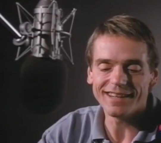 File:Jeremy Irons behind the scenes of TLK.jpg