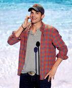 Ashton Kutcher TCA 2013