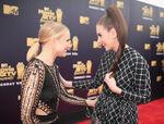 Kristen Bell Alison Brie MTV Movie Awards