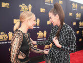 Kristen Bell Alison Brie MTV Movie Awards