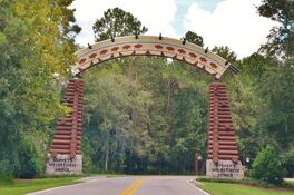 Disney-s-wilderness-lodge-entrance