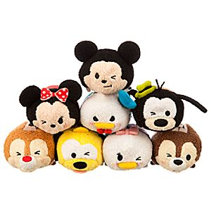File:Mickey and Friends Expressions Tsum Tsum Collection.jpg