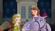 Sofia.the.First.S01E19.Princess.Butterfly.1080p.WEB-DL.AAC2.0.H.264-BS.mkv 001200784