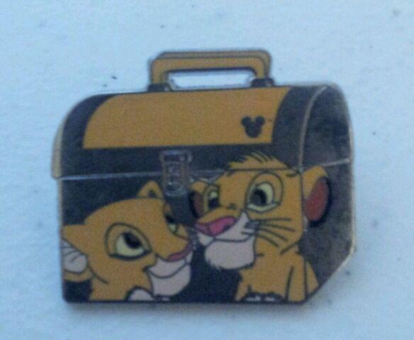 File:Simba nala lunchbox pin.JPG