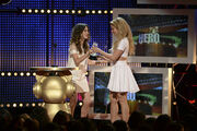 Laura-Marano-Gives-Shakira-the-Hero-Award