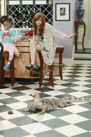 Jessie-1-01-New-Nanny-New-York-jessie-25734696-311-467