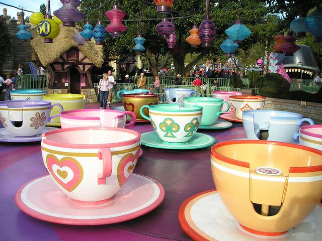 File:TeacupsMadTeaParty wb.jpg