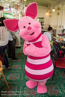Disneyland Characters Piglet