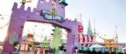 2800x1197 Super Silly Fun land gate