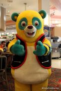 Agent-Oso-Hollywood-and-Vine-417x625
