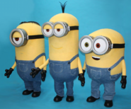 Les minions costumes mascottes officielles Evasion communication deguisement location vente Universal Studios France evenement animation moi moche mechant minions Stuart costume kevin bob despicable me costume event eur