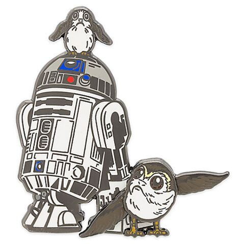 File:R2-D2 and Porgs 2017.jpg