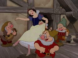 Snow-white-disneyscreencaps.com-6282.jpg
