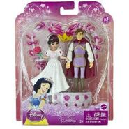 Disney-princess-fairytale-wedding-snow-white-prince-figures-t7322-1644-p