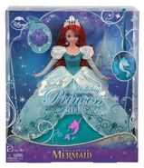 Disney-Princess-Holiday-Princess-Ariel-Doll-4