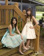 Selena-and-demi-princess-protection-program-34360248-450-574