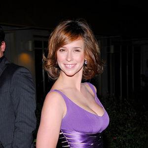 Jennifer Love Hewitt Disney S The Hunchback Of Notre Dame Wiki Fandom