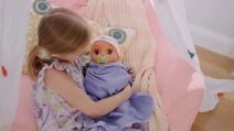 Baby-alive-real-as-can-be-baby-she-babbles-back-large-9