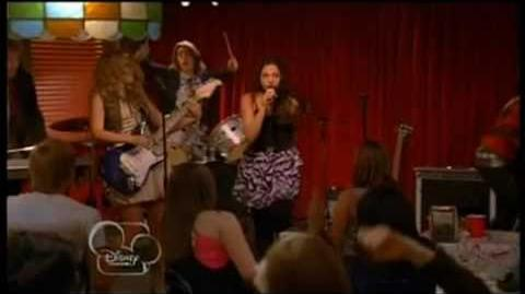 Lemonade Mouth - She's So Gone (Movie)
