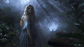 Alice-Mia-Wasikowska-550x309