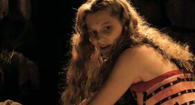 Alice-Kingsleigh-alice-in-wonderland-2010-16895324-635-342