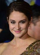433px-Shailene Woodley March 18, 2014 (cropped)