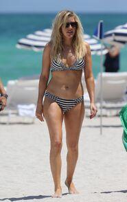 Ellie-goulding-in-a-bikini-at-a-beach-in-miami 1