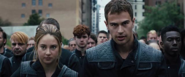 File:Divergent64.png
