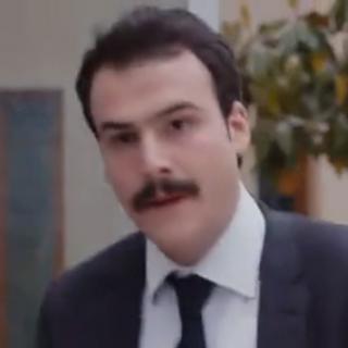 Mustafa en <a href=