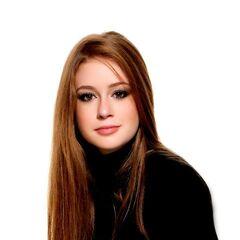 Es la voz habitual de la actriz brasileña <a href=