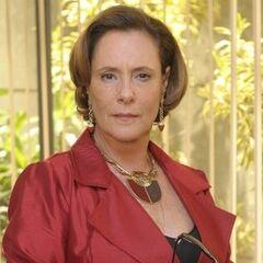 También fue la voz de la actriz brasileña <a href=